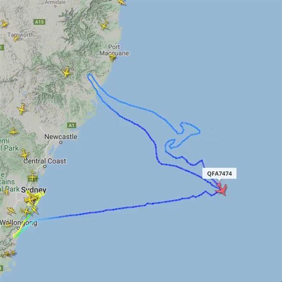boeing 747 tegner en kænguru i luften ved Australiens østkyst