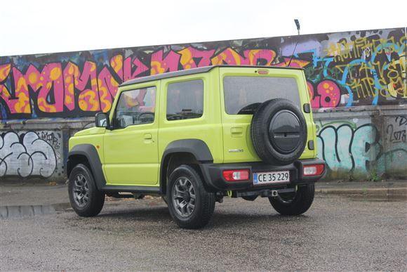 En Suzuki Jimny bagfra