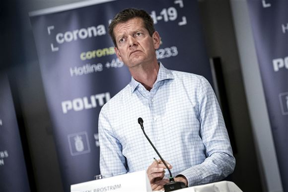 Sundhedstens direktør Søren Brostrøm på et pressemøde