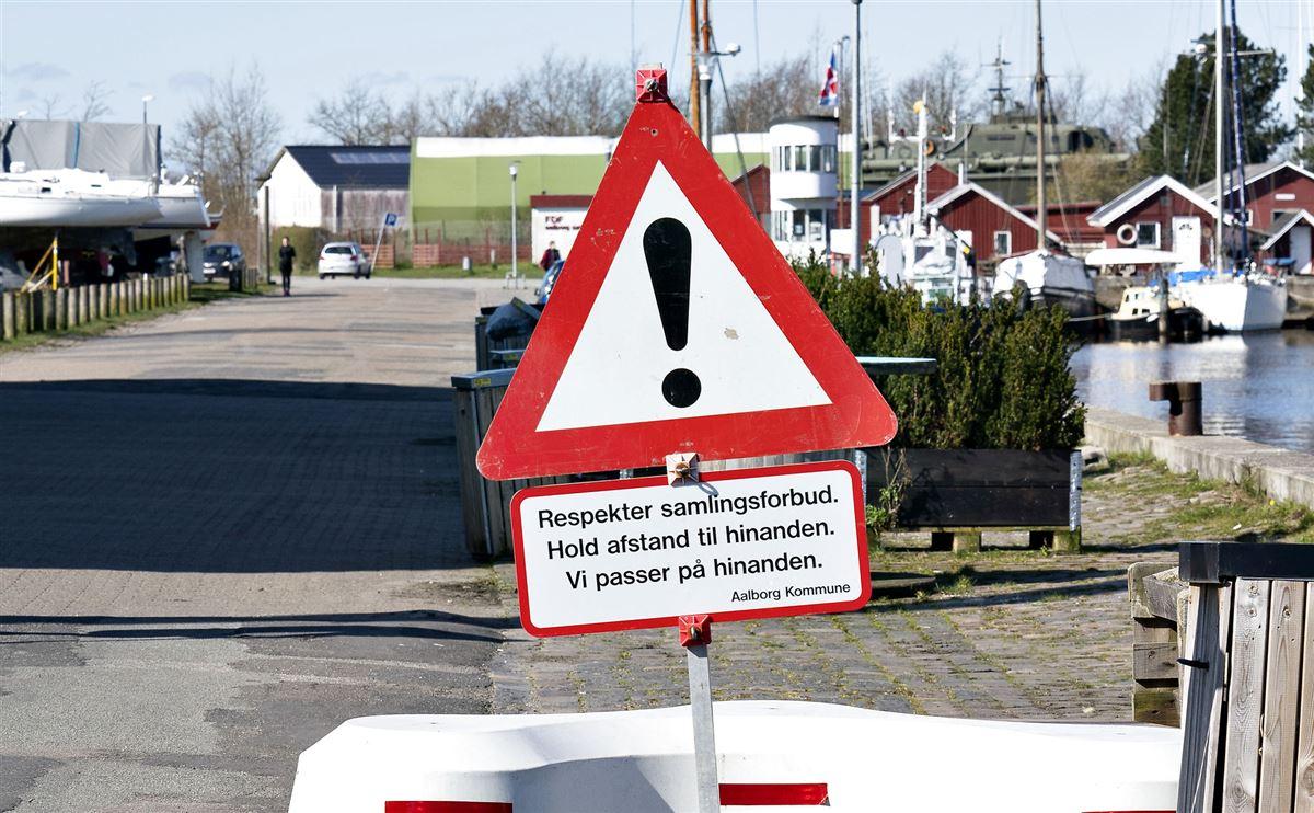 advarselsskilt om samlingsforbud