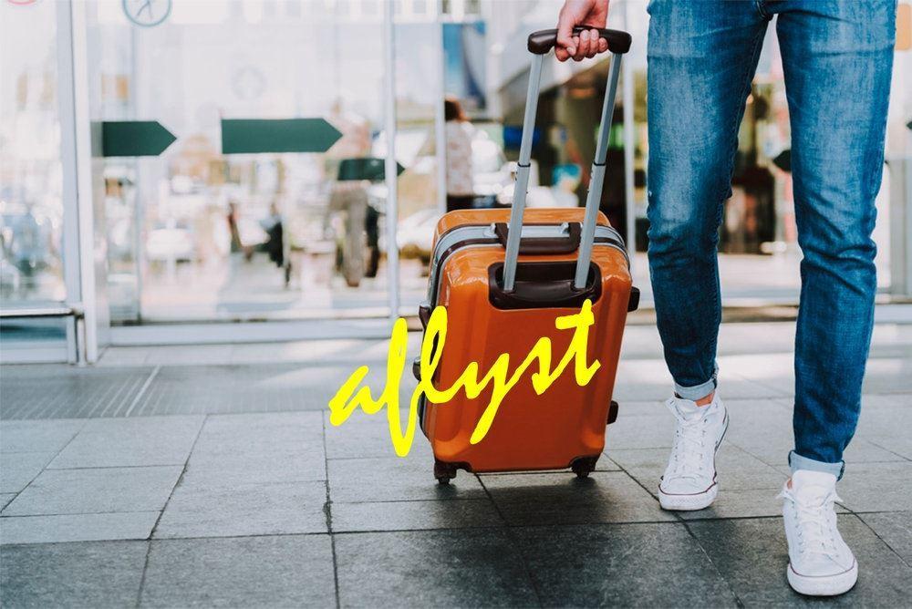 Kuffert i hånd rejse