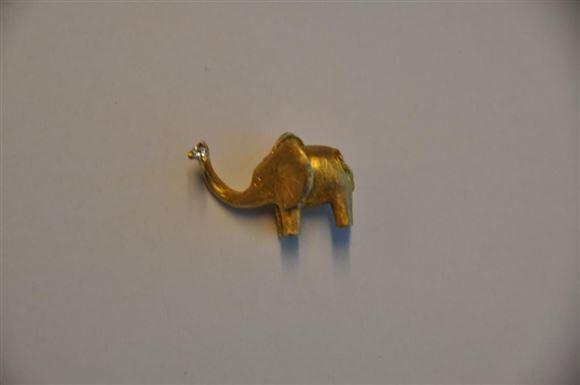 vedhæng formet som en elefant