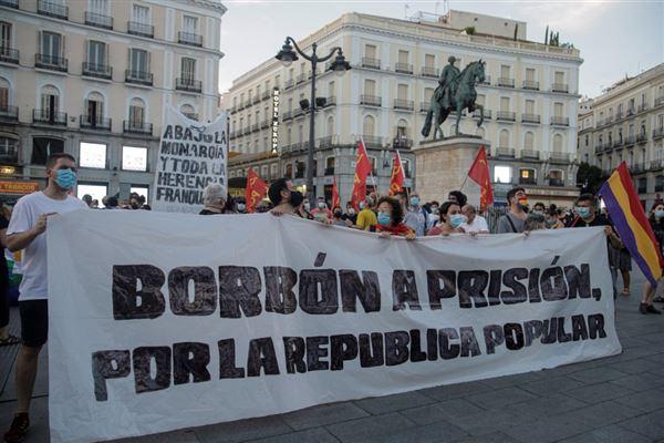 Demonstranter på gaden i Madrid