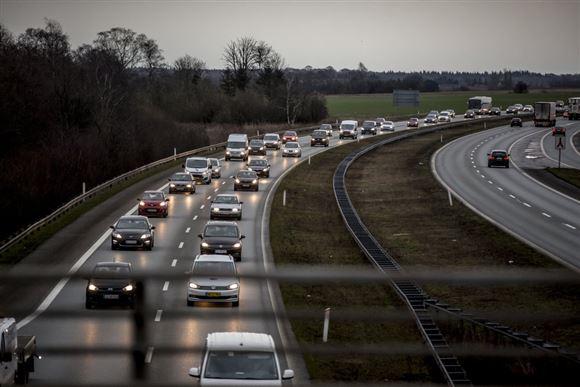 Tæt trafik på motorvej
