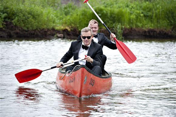Frank Hvam og Casper Christensen i kano
