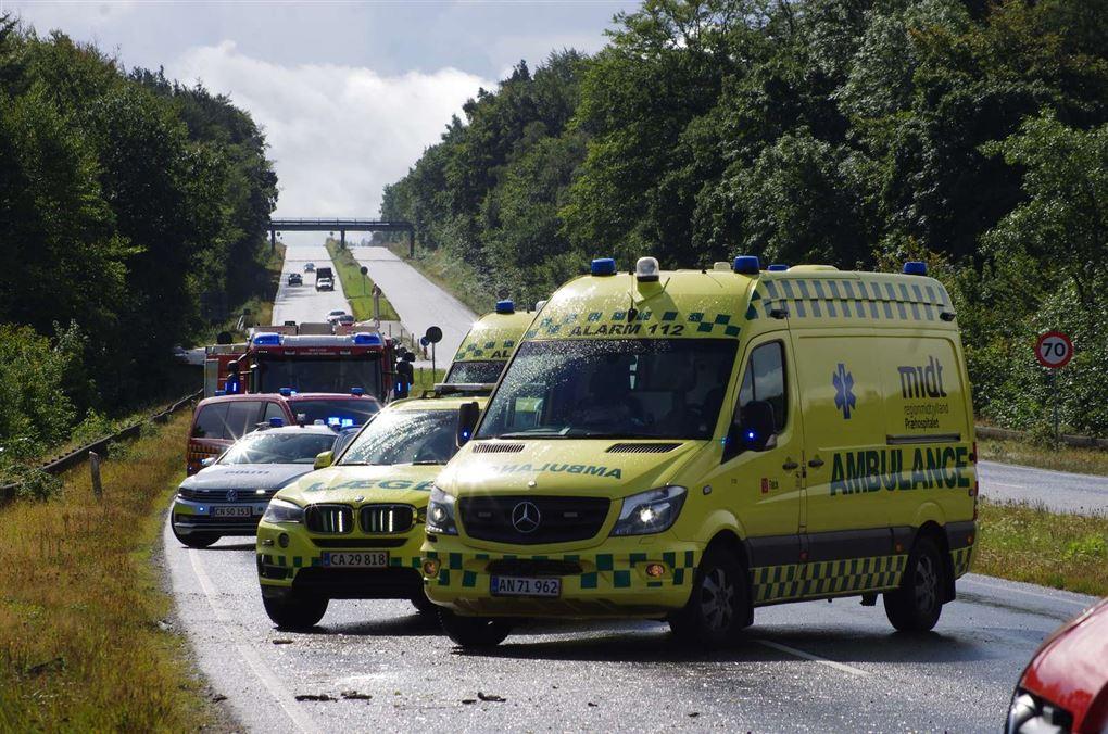 redningskøretøjer på vejen