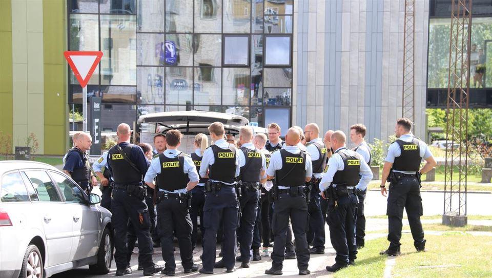 Politifolk på gaden i Aarhus