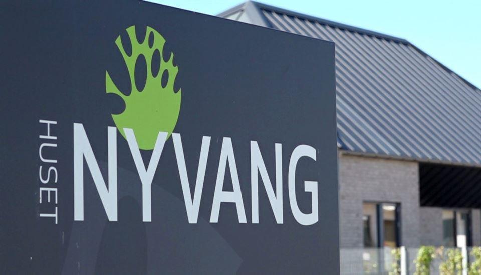 Billede af facaden af Nyvang plejehjem