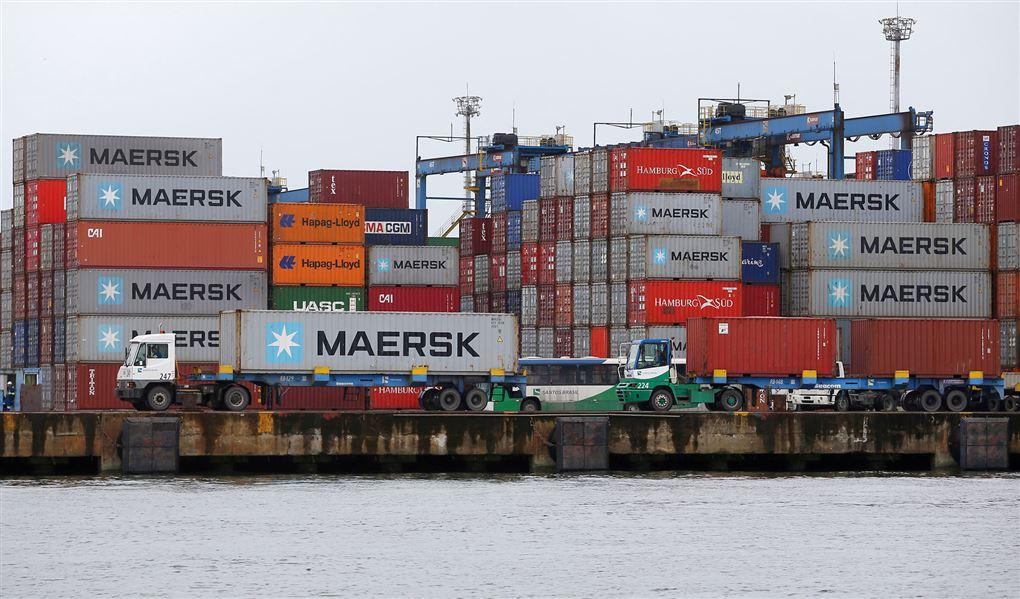 mærsk containere på havnen
