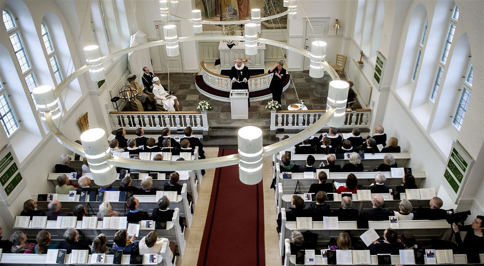 En fyldt kirke til en gudstjeneste