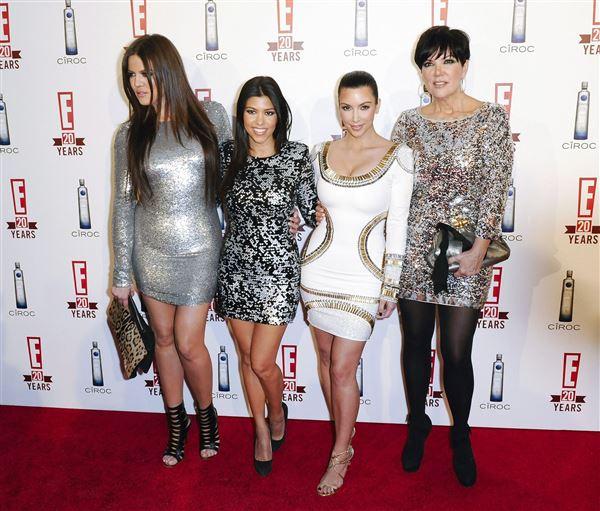 Billede af Khloe, Kourtney og Kim Kardashian og deres mor Kris Jenner