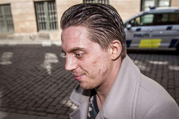 Nicki Bille forlader byretten i København