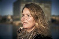 nærbillede af eks-politikeren Pia Allerslev med halstørklæde og vind i håret.