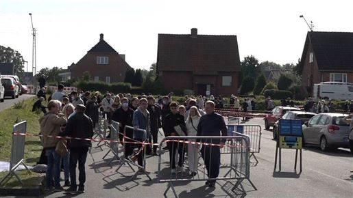Kø til coronatest foran CASA Arena i Horsens
