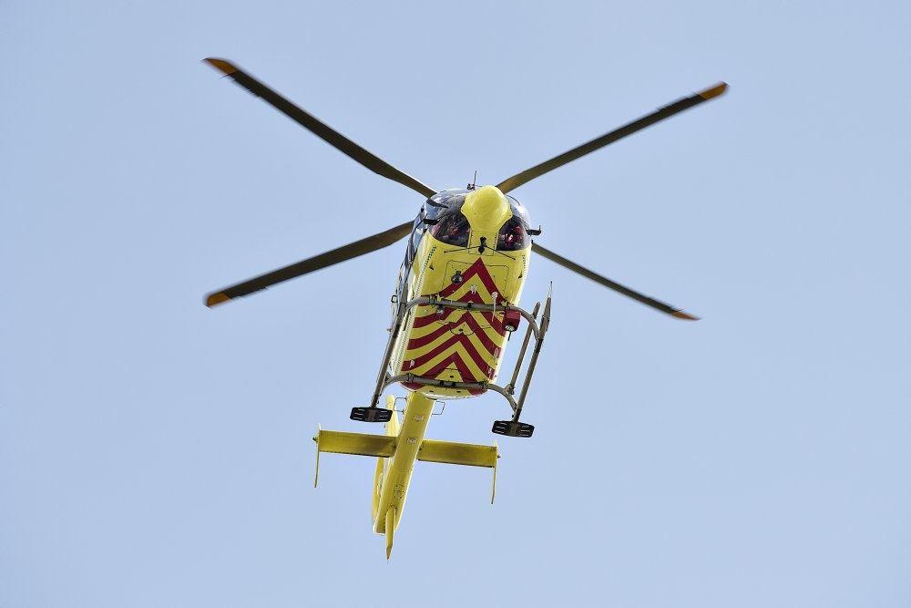 redningshelikopter i luften