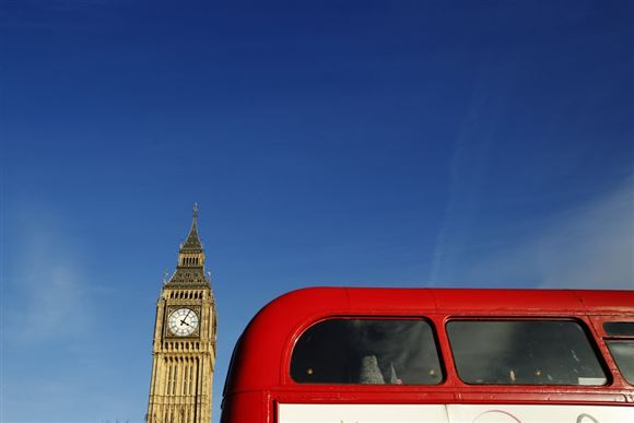 Dobbeltdækker foran Big Ben