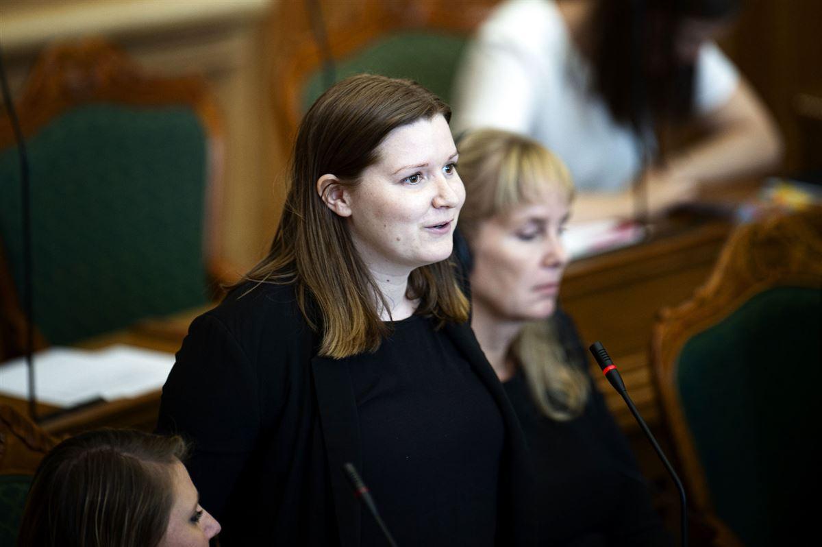 SF's Folketingsmedlem Ina Strøjer-Schmidt taler i folketingssalen