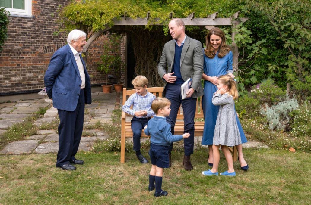 Prins William og Kate sammen med David Attenborugh