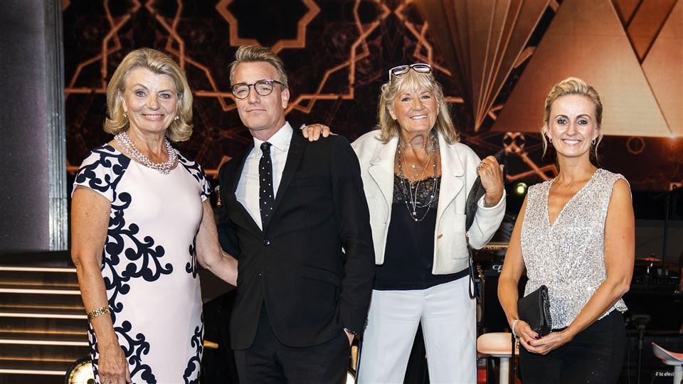 gruppebillede af Marianne Eihilt, Britt Bendixen, Anne Laxholm og Nikolaj Hübbe