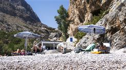 strandgæster på Ahata-stranden på den græske ø Karpathos