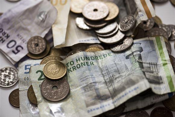 En masse sedler og mønter