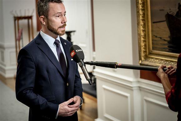 Jakob Ellemann-Jensen bliver interviewet