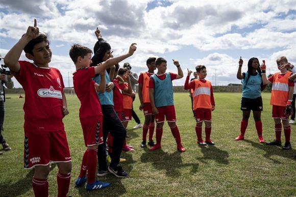 billeder af drenge til fodbold