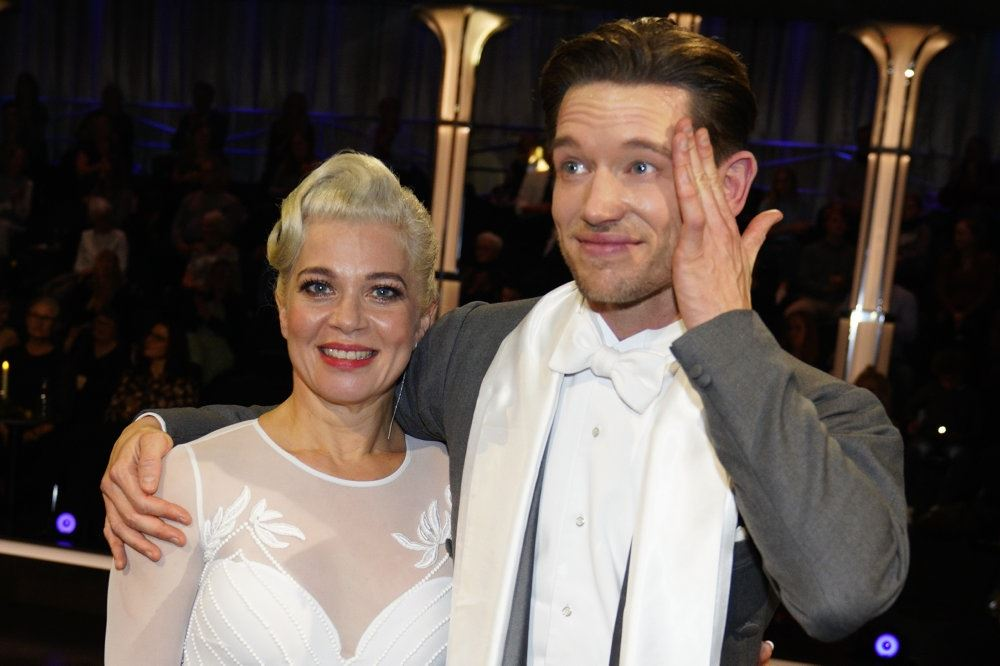 Sara Bro og Morten Kjeldgaard tørrer sved af panden efter omdansen