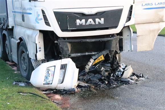 Smadret front på lastbil