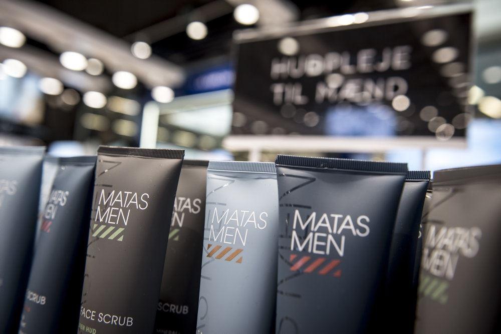 billede af varer i en Matas-butik