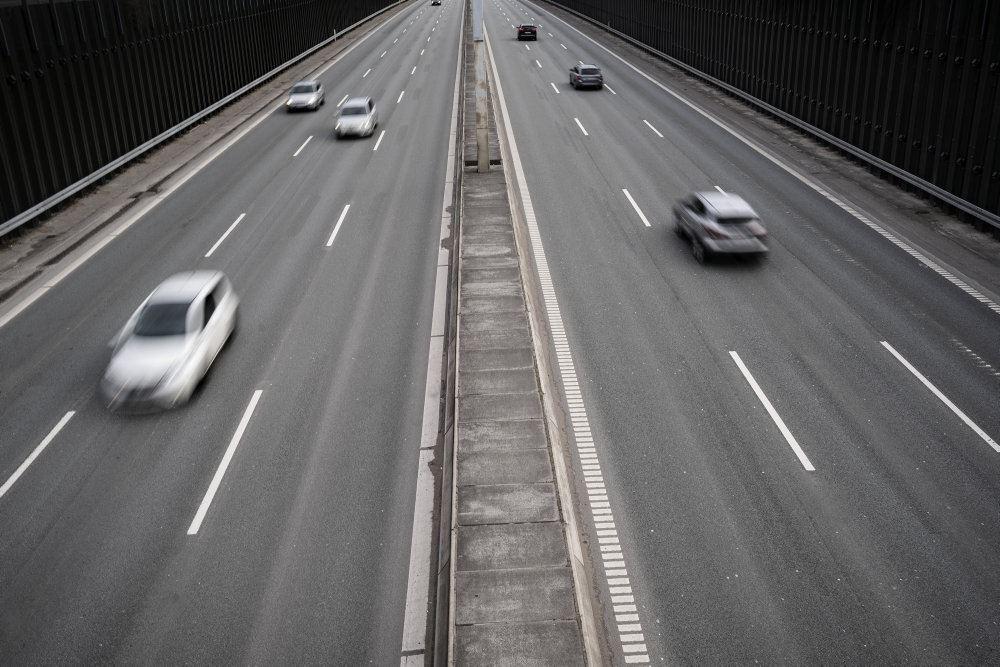 Biler på en motorvej