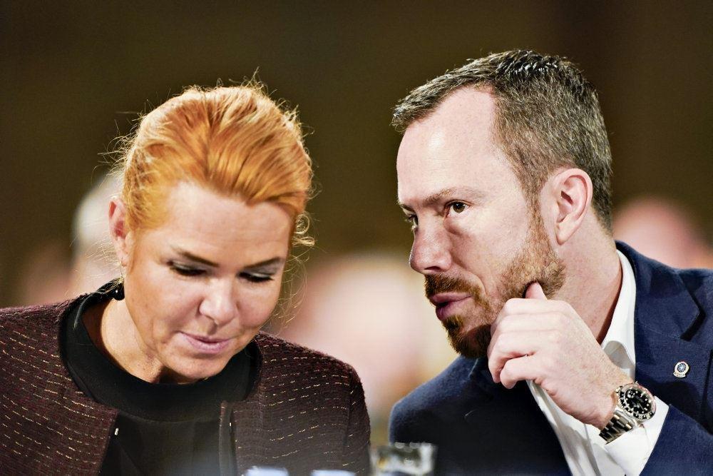 Jakob Ellemann og Inger Støjberg i tæt samtale.