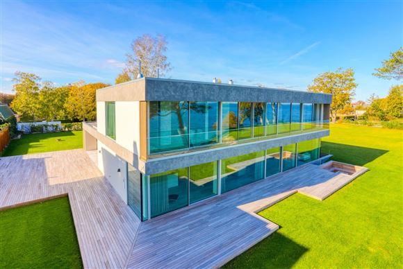nybygget villa set udefra
