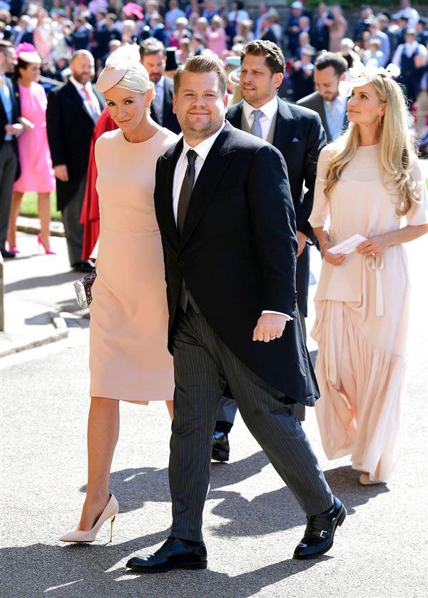 James Corden med sin kone Julia til brylluppet mellem Prins Harry og Meghan Markle i 2018.