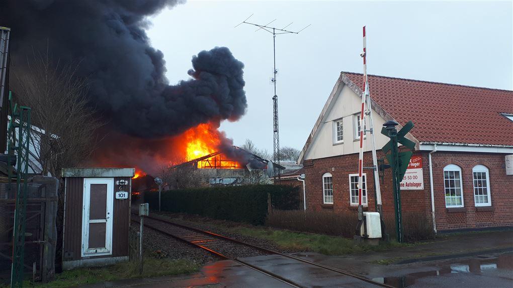 billede fra branden i Henne