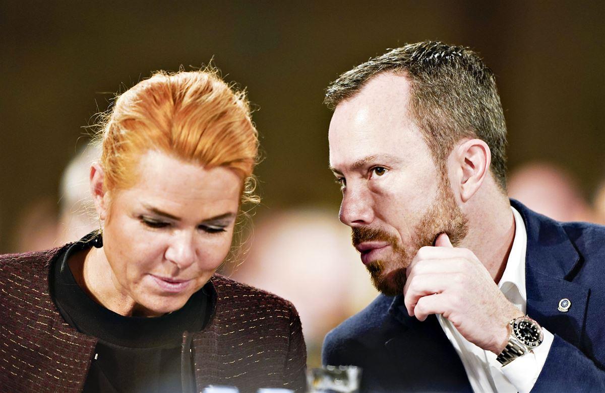 Ellemann og Støjberg tæt sammen i folketingssalen