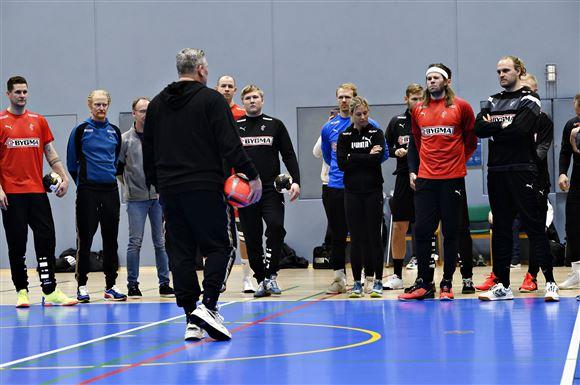 Herrelandsholdet i hånbold til træning