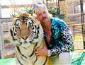 Joe Exotic med en tiger