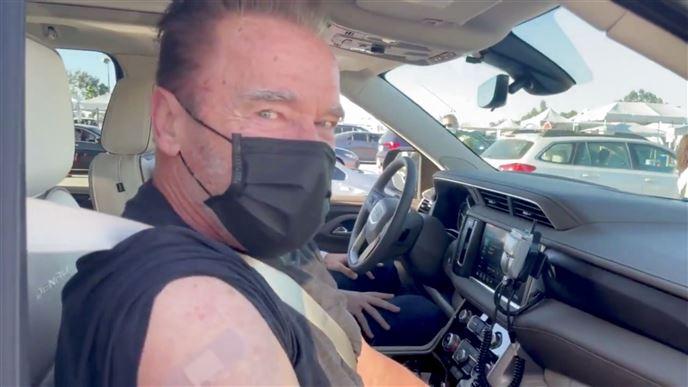 Arnold Schwarzenegger har fået sprøjten