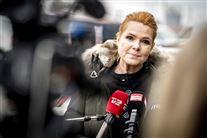 Inger Støjberg interviewes af pressen