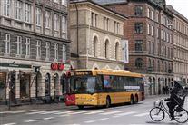 Billede af en bybus i København.