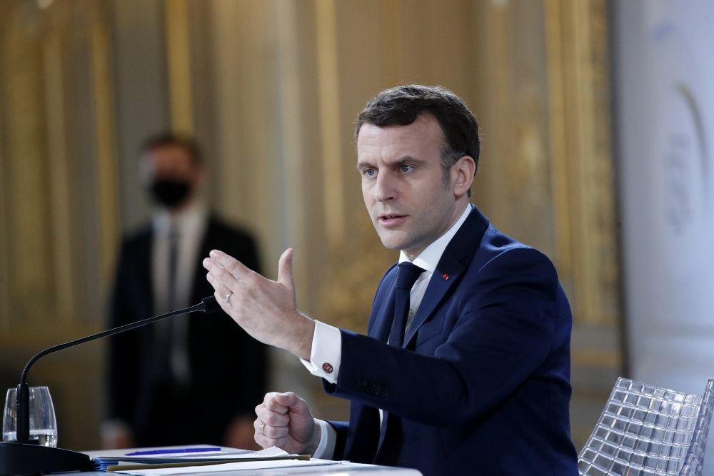Den franske præsident på talerstolen