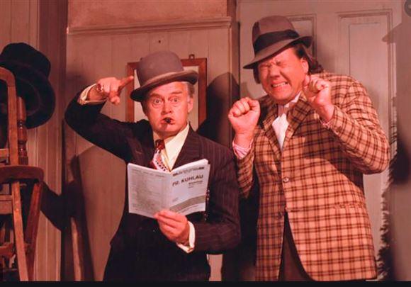Egon og Benny i Ser Rødt