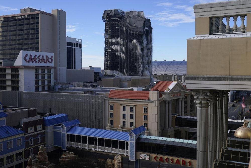 Hotel sprænges i luften