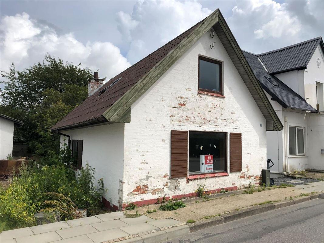 hvidt hus set udefra
