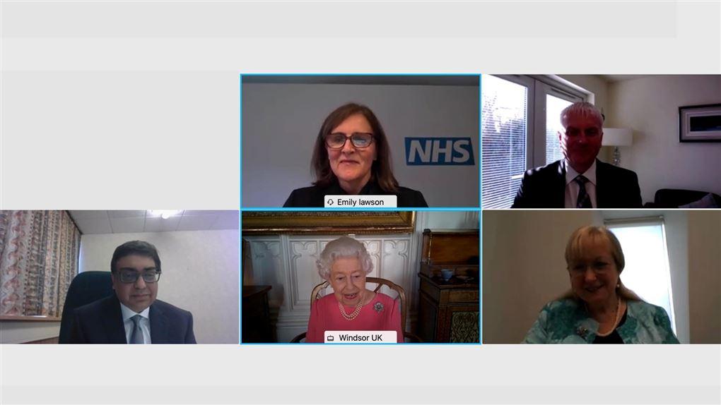 billede af skærm fra videomøde med deltagelse af dronning elizabeth