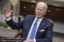 Billede af Joe Biden, som sidder i en stol
