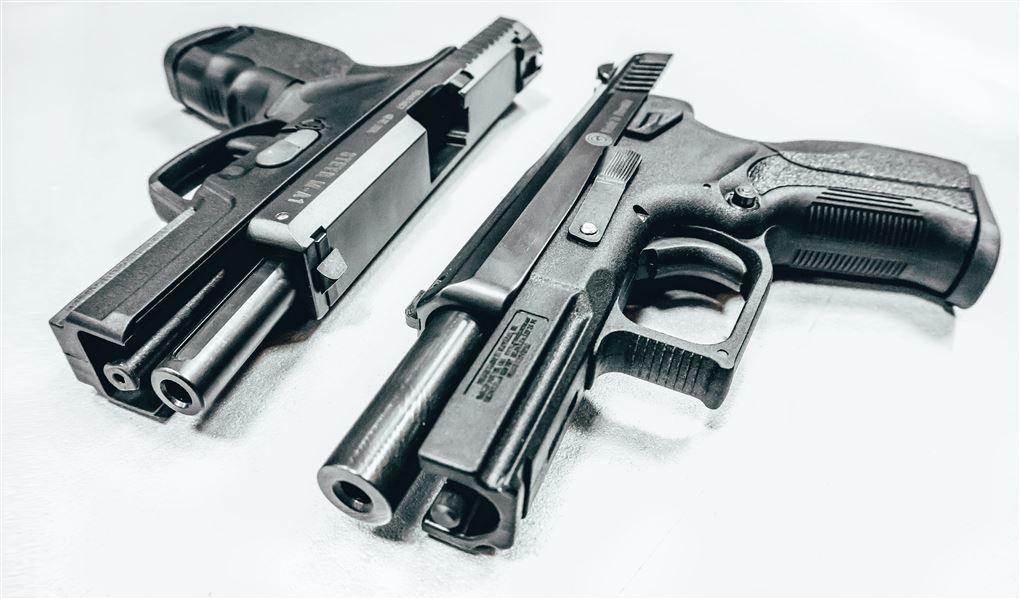To pistoler