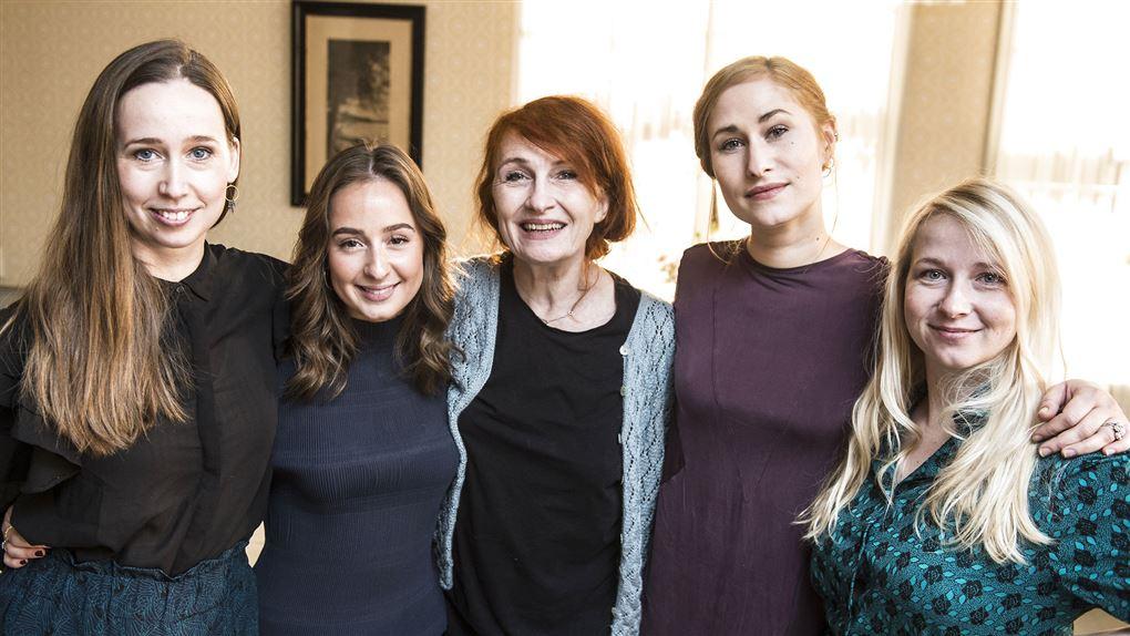 Rosalinde Mynster ses sammen med andre fra Badehotellet