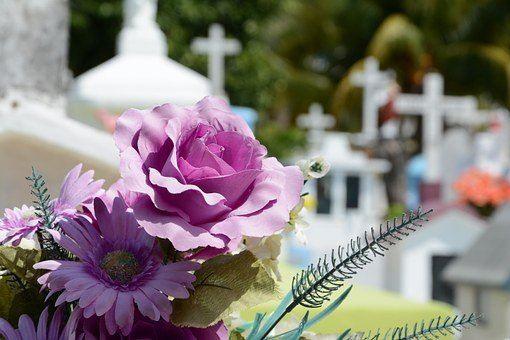 blomster på kirkegård